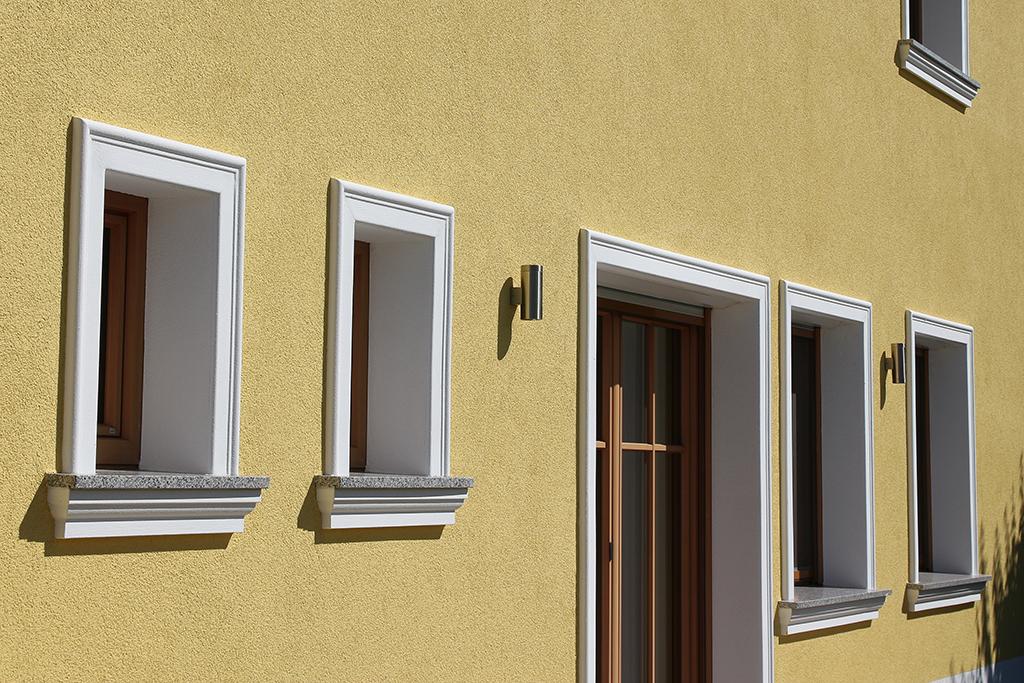 Fensterfaschen und Dekorprofile für die Fassade von BENDU