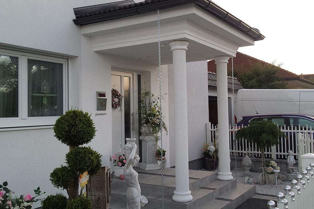 Säulenverkleidungen in Halbschalen für bestehende Säulen Innen und Außen.
