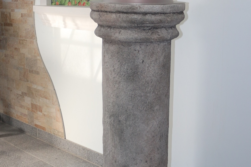 Sonderanfertigung Säulen mit spezieller Oberfläche bzw. Beschichtung