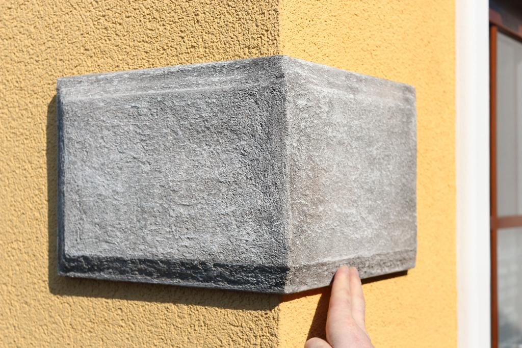 Bossenstein für die Fassade mit individueller Oberflächenbeschichtung