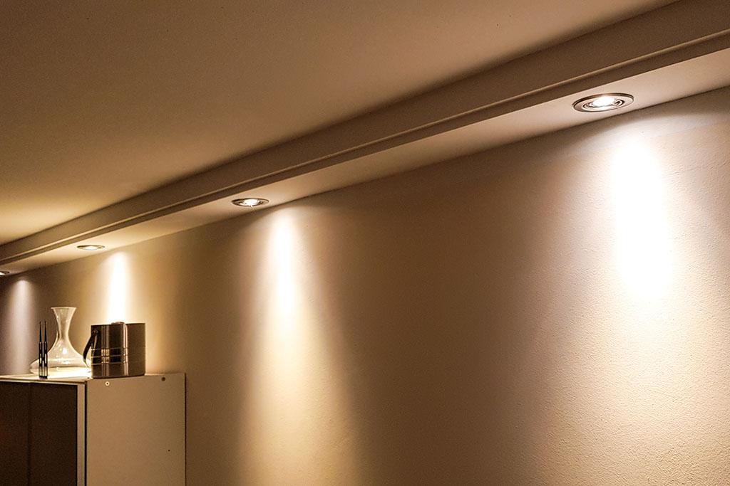 Deckenprofil BSML-180B-PR für die direkte Beleuchtung der Wand